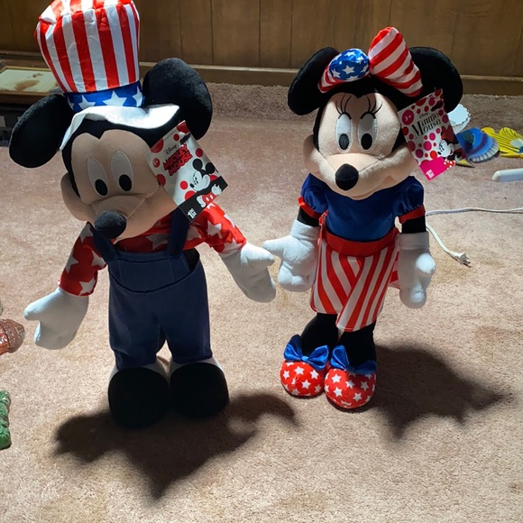 NWT Mickey and Minnie July 4th decorations
